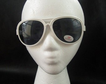 80s aviator sunglasses, vintage new old stock white plastic frame aviators, women's summer style