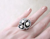 Silver Calla Lily Flower Ring with White Pearls. Large Cocktail Ring with Etched Petals and Adjustable Band. Oxidized Silver Statement Ring.