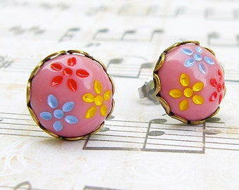 Daisy Trio in Dusty Pink - vintage glass button post earrings