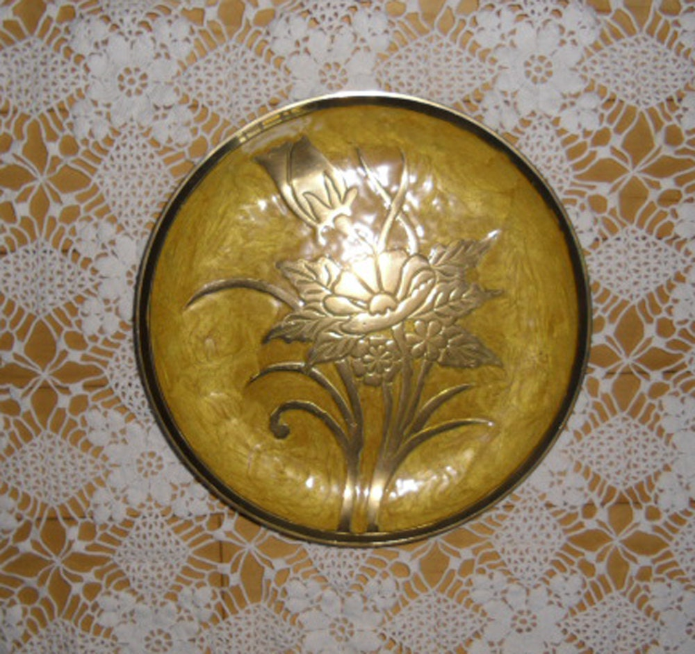 vintage brass plate cloisonne plate etched enamel plate. Black Bedroom Furniture Sets. Home Design Ideas
