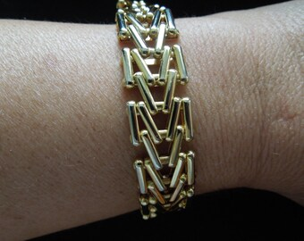 Vintage Gold Tone Bracelet, Nice Unusual Links, 7 1/2 to 8 Inches, Excellent Condition