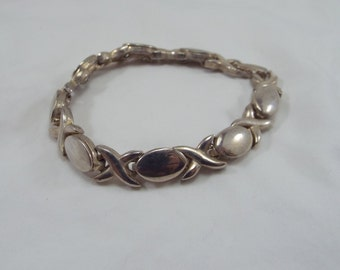 Bracelet Unsigned X O hugs and Kisses Silver Plated