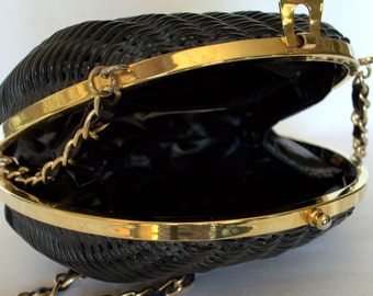 Vintage 80's Purse Clam Shell Purse 80's Handbag Basket Weave Purse Vintage Dress Purse Black and Gold Chain Purse