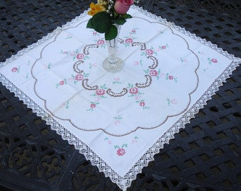 """Table cover cross stitched with hand crocheted lace trim, vintage 1970s, cottage chic, home decor, 23"""" square, Centerpiece doily"""