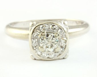A Beautiful Vintage Lady's Diamond 14K White Gold Ring Brilliant Cut