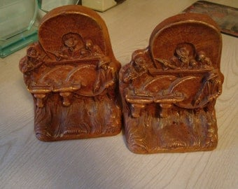 Vintage  PIONEER Covered Wagon Bookends