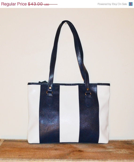 ON SALE Vintage Purse Navy Blue and White Handbag 80s Gitano Purse ...