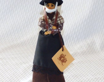 CLEARANCE!!!  COUPON CODE:  CLRNCE35Vintage Cillacraft Hand Crafted Welsh Wood Doll