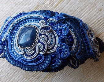 Handmade soutache bracelet. Vegan friendly.