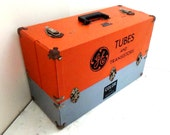 Vintage GE General Electric Repairman's Tool Box Chest Tubes and Transistors Color TV Service
