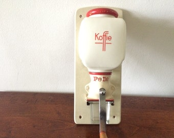 Vintage Wall-Hanging Coffee Grinder - Simple Red-White
