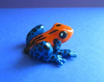 Poison Dart Frog Sculpture
