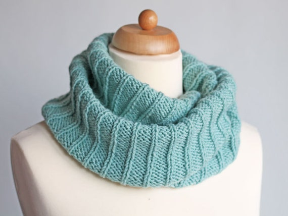 ... Scarf, Loop Neck Warmer, Cozy Winter Accessories, Ribbed Scarf - mint