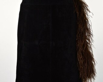ON SALE BLACK Suede Skirt: Mini Suede Skirt // 80s Suede Skirt // Upcycled Suede Skirt // Ostrich Zipper Pull // Bohemian Skirt