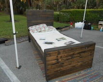 Reclaimed Pallet Wood Twin Bed