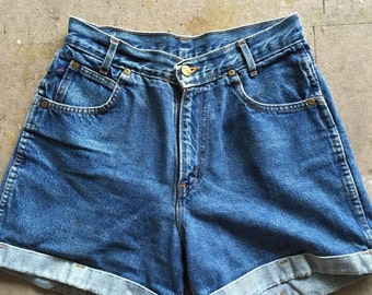 Vintage 90's Chic High Waisted Cuffed Denim Shorts 9 high waist