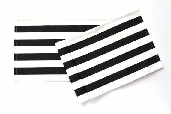 Chemin de table noir et blanc ray de coureur coureur de - Chemin de table noir et blanc ...