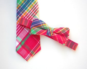 Pink plaid bow tie, neck tie for toddlers, boys bow tie, boys photo prop, ring bearer outfit, magenta neck tie, baby bow tie, little boy tie