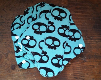 "Five (5) - 7.5"" Cloth Panty Liner Set - Skull Print"