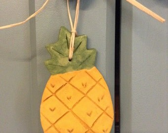 Country Pineapple Ornament, Primitive Pineapple