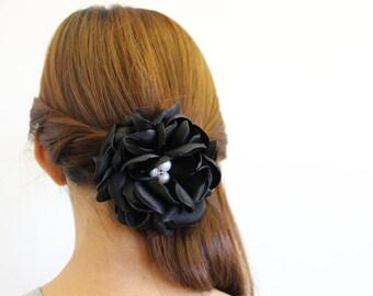 Single Gardenia flower clip