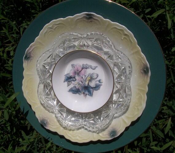 Garden flower plate vintage china art by perennialplates for Garden art from old dishes