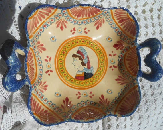 RARE HENRIOT QUIMPER Collector Hand Painted Dish Victorian 1920's French Pedestal Ceramic Signed Heart Handles #sophieladydeparis