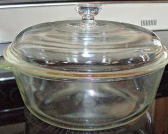 Vintage Pyrex Casserole Bowl w/Lid