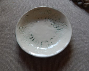 Small Doilie Textured Bowl