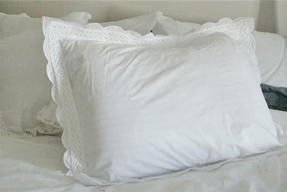 Pair of White Pillow Shams with Decorative Scalloped Border