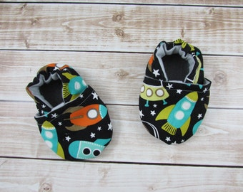 Outer Space Baby booties, Black Baby shoes, Rockets Tula accesories,  Toddler shoes, Soft Soled shoes,  custom made, Made to Order