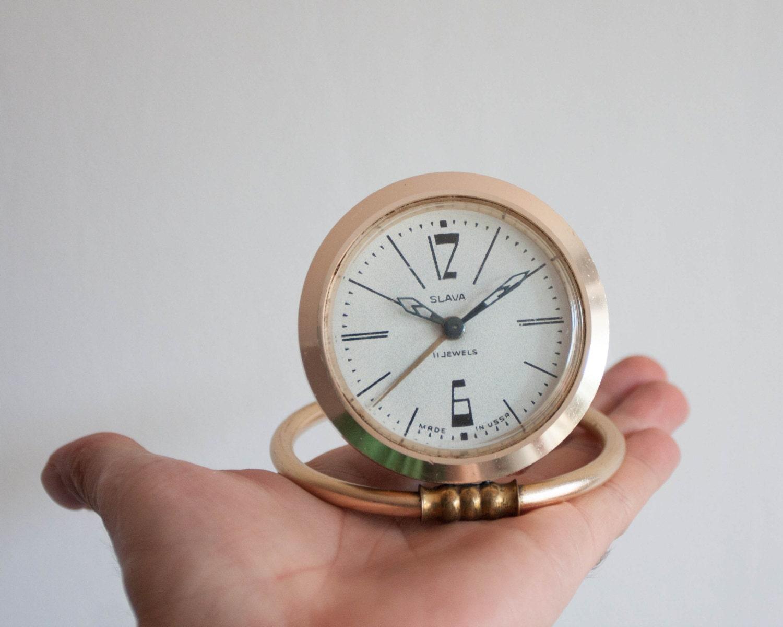 r veil de bureau vintage or jaune et bleu slava horloge. Black Bedroom Furniture Sets. Home Design Ideas