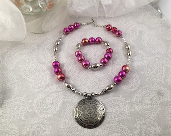 Pink multi-tone bead neclace with Silver tone accents and bracelet set