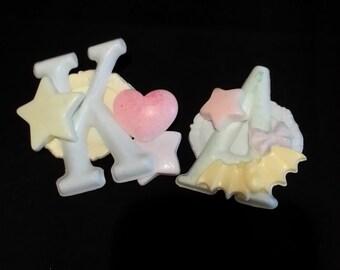Kawaii U Letter Pin - cute, pastel kei, decora, fairy kei, brooch, wing, heart, bat, bow, alphabet, sweet, yumekawaii, school pin, letters