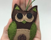 Felt Owl Ornament - Woodland Owl with Pinecone