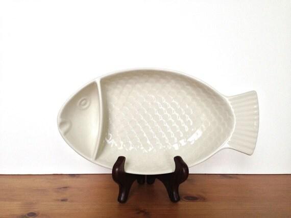 Hall china fish shaped dish snack bowl for Fish shaped bowl