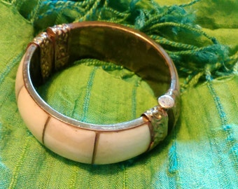 Hinge pin bone and brass bracelet