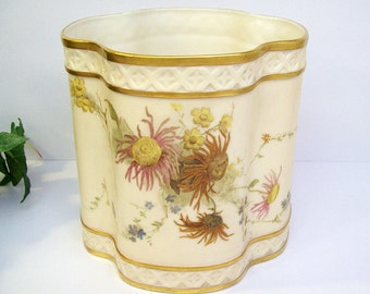 Antique 1889 ROYAL WORCESTER Quatrefoil Fern Pot or Vase – Hand Painted – Lattice Borders – Blush Ivory - #1323 – Cache Pot - Jardiniere -