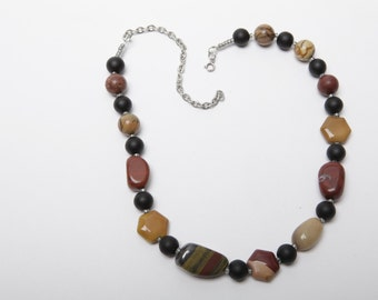 Billie Polished Stone and Ceramic Necklace