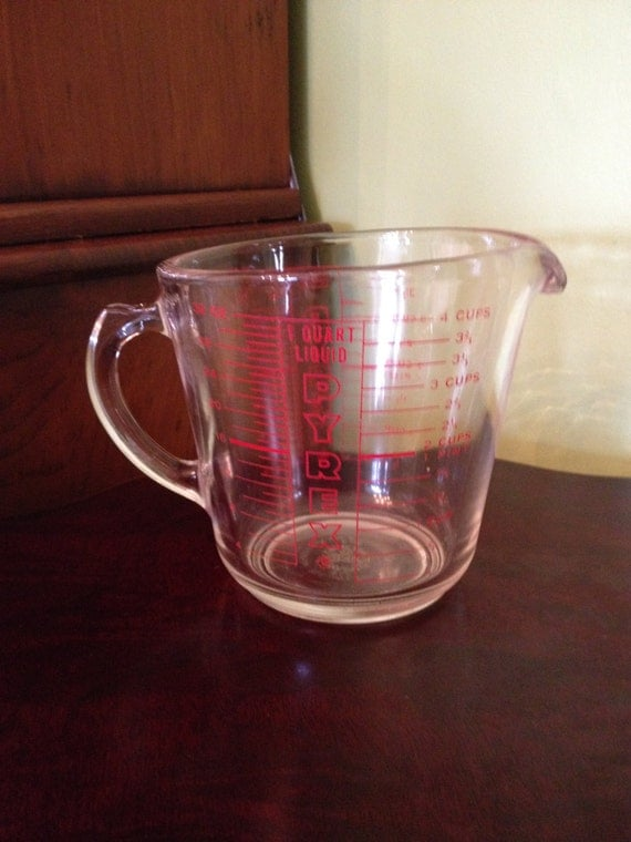 vintage pyrex glass measuring cup 4 cup 532 by thesuburbanpicker. Black Bedroom Furniture Sets. Home Design Ideas