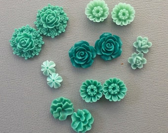 14 pcs resin cabochon flowers ,assorted sizes,#FL088