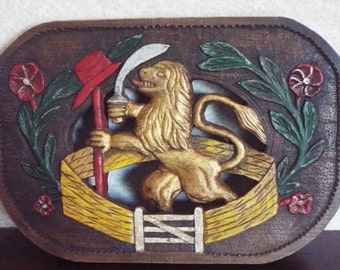 English Wall  Decor -  Wooden Lion Crest - Primitive Mens Decor- Folk Art