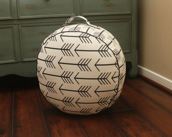 The Original Pouf Floor Cushion - Arrow W&B+Black Piping