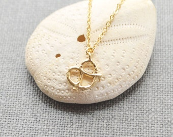 Gold pretzel necklace A-242
