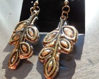 Gold earrings, leaf earrings, antique gold earrings, shine gold earrings