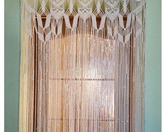 Doorway curtain rod