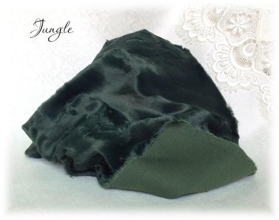 Italian Viscose Fabric Fur Jungle Green Colour 6 7 Mm Pile