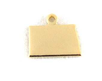 2x Gold Plated Blank North Dakota State Charms - M115-ND