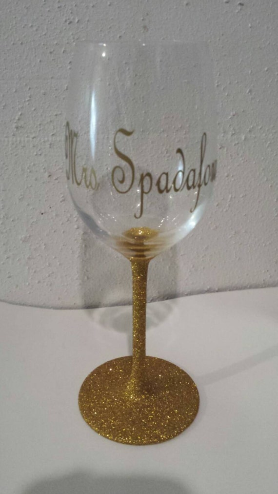 Wedding Gift - Personalized Wine Glasses - Personalized wedding gift ...