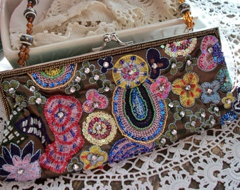Purse SALE 15% Off Was *25.00 Vintage 1980's La Regale Beaded Sequined and Embroidered Purse/Clutch w/ Handle